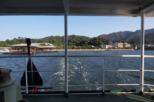 20131014_miyajima_ferry-01.jpg