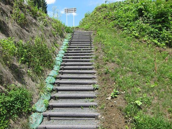 母袋子橋への階段