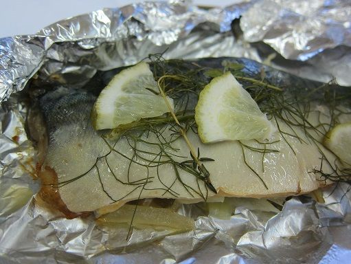 八戸サバの包み焼き ライム風味のフェンネルのコンフィ