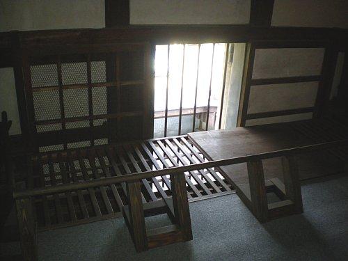 山崎茶店・大蔵2階窓②