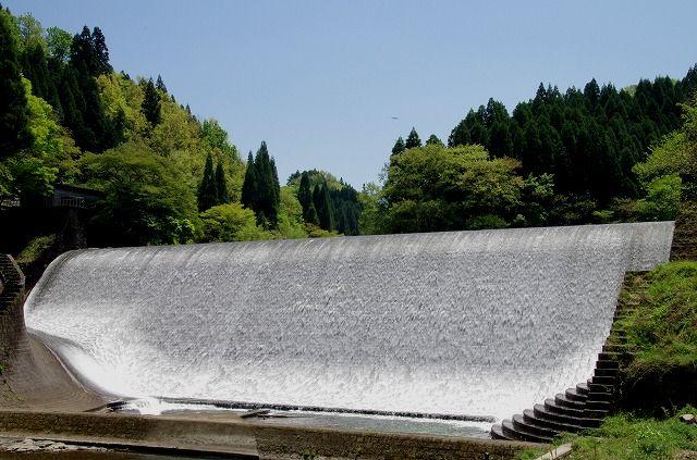 白水堰堤(竹田市荻町)
