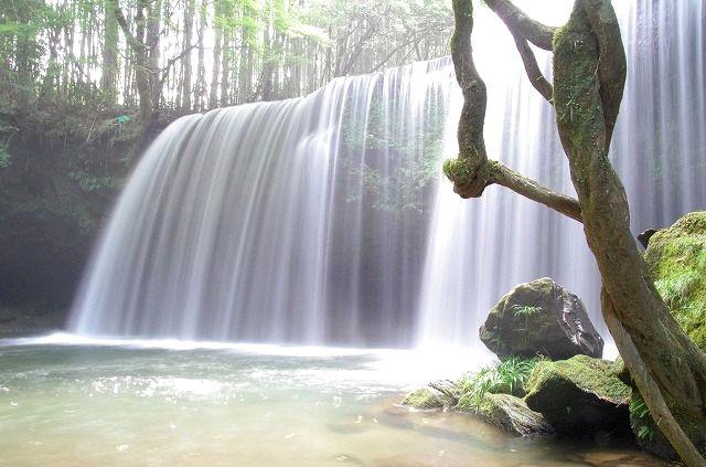 鍋ヶ滝(裏見の滝)