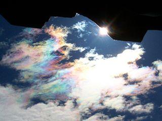 【自然の神秘】  彩雲の撮影に成功