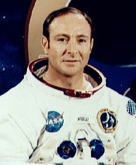 アメリカ政府はUFOの存在を隠蔽している 元宇宙飛行士エドガー・ミッチェル氏
