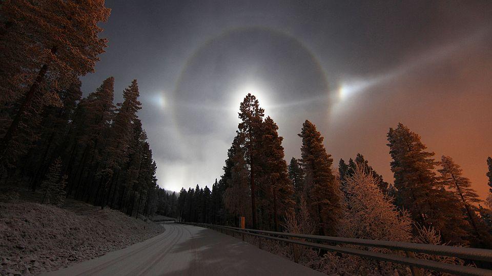 【フィンランド】 幻日、幻日環、120度幻日、環天頂アークが一斉に顕現