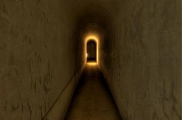 死後の世界は存在する!? 量子物理学者が導き出した結論「あなたが存在を意識した時、それは存在する」