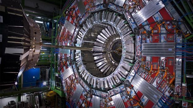 欧州原子核機構CERNには 「異次元世界へワームホールを開くための隠れたプロジェクトが存在する」