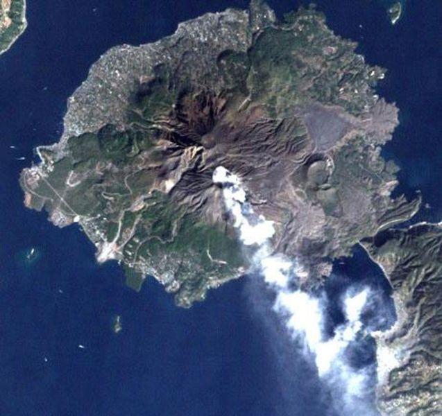 【桜島】巨大マグマ噴火目前か…火口の縁まで高熱のマグマプールが上昇