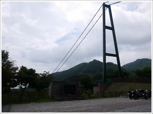 もみじ谷大吊橋を渡って散策