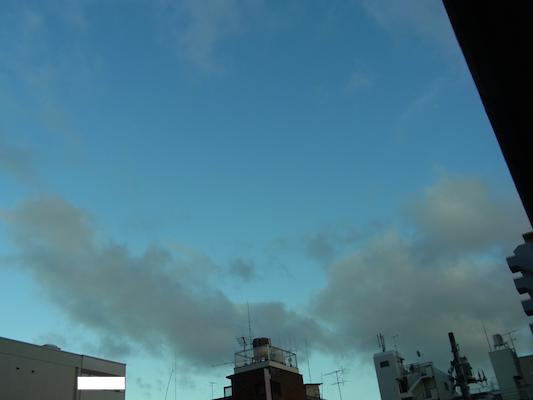 雲モクモク