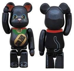 招き猫ベアブリック黒メッキ 100%