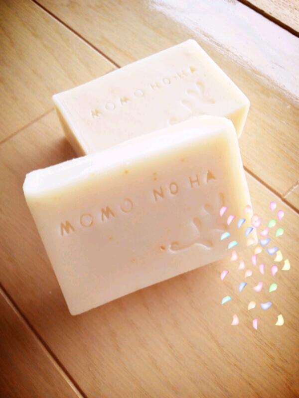 桃の葉石鹸