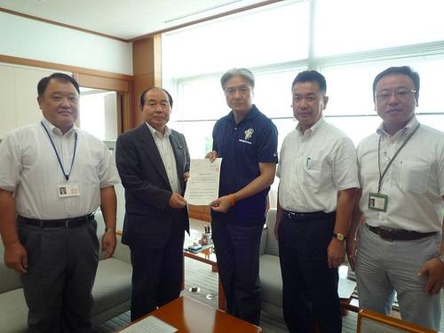 「竜巻等被害に関する緊急要望書」を提出、県知事に申し入れました!